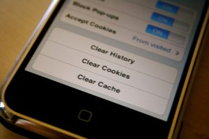 How to clear cache on phone / android phone