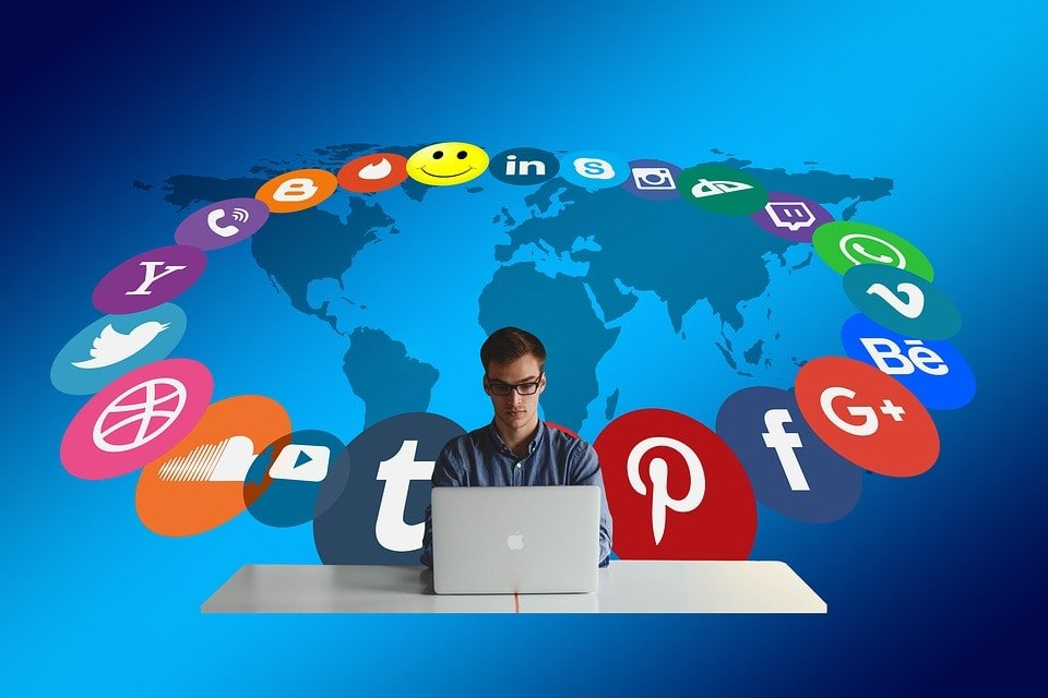 What is Social Networking Definition
