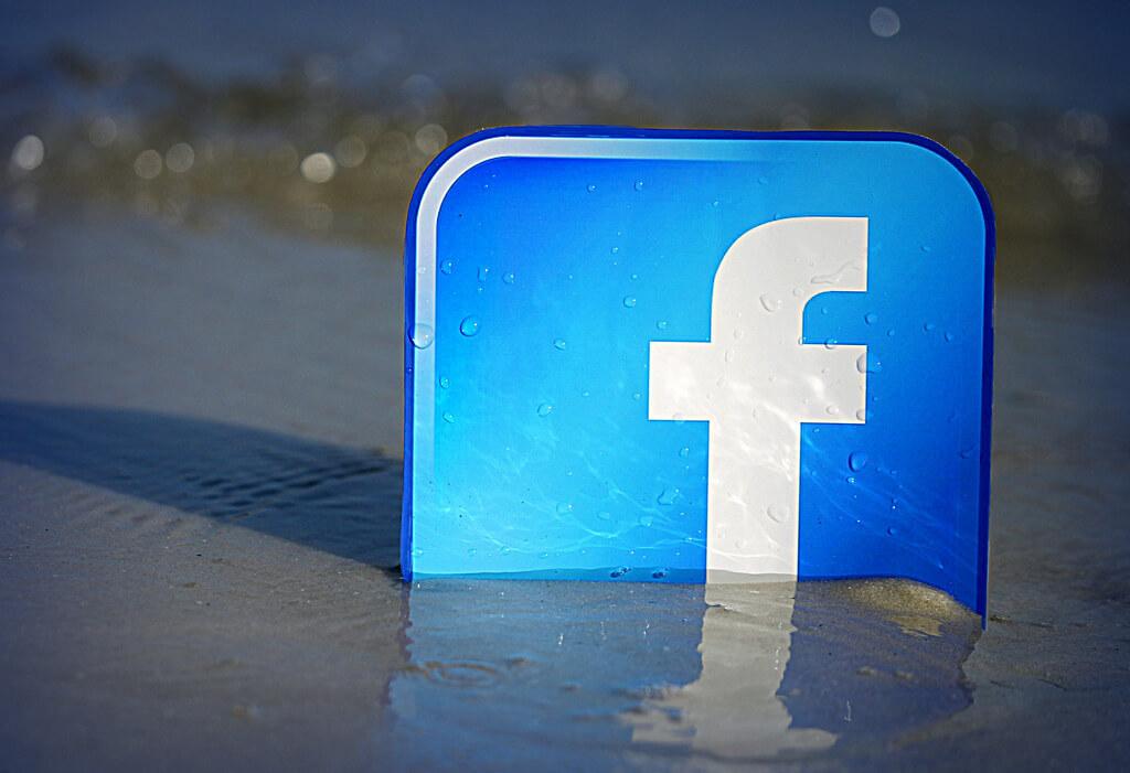 social media routine check