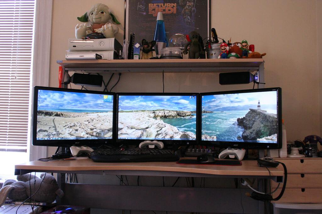 Triple Monitor Gaming